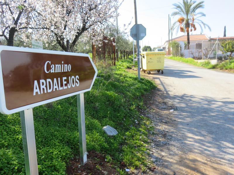 El Ayuntamiento completa la señalización de cerca de un centenar de caminos rurales del municipio