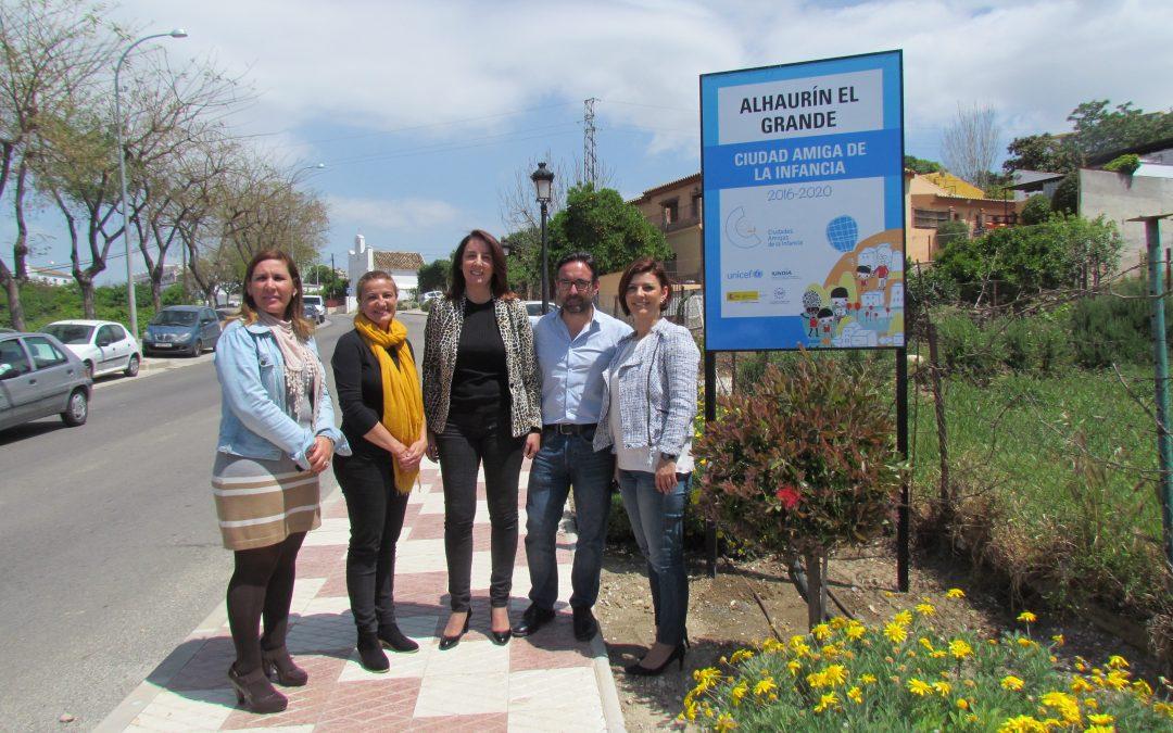 El Ayuntamiento instala los paneles identificativos de Ciudad Amiga de la Infancia de UNICEF