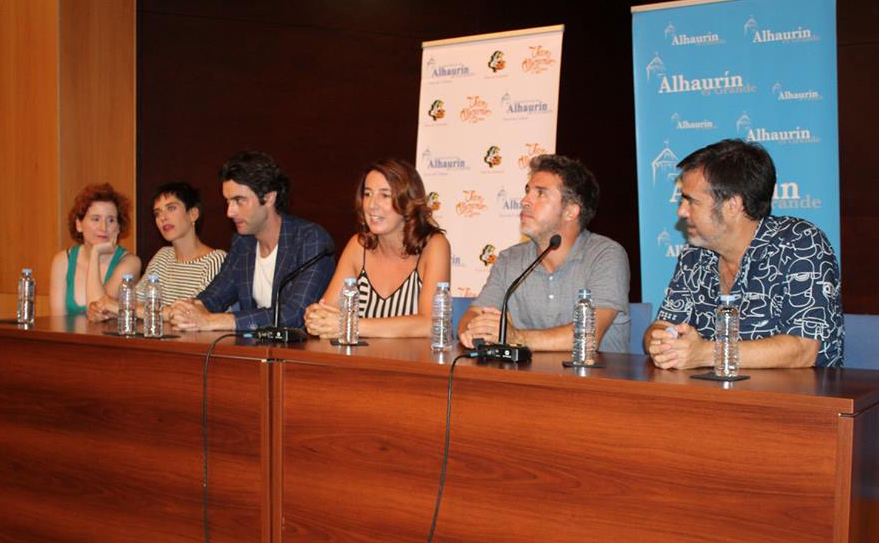 El rodaje de la película'Sin Fin' lleva a los actores María León y Javier Rey a Alhaurín el Grande