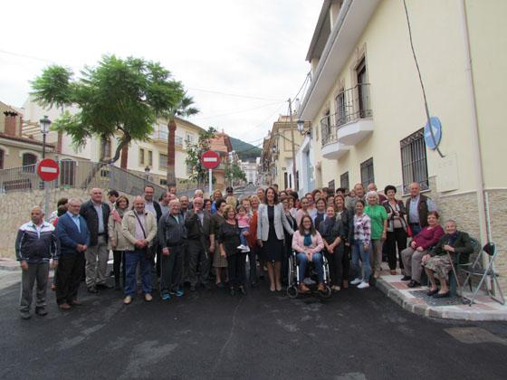 La alcaldesa preside la apertura de Calle Fuengirola tras su remodelación integral