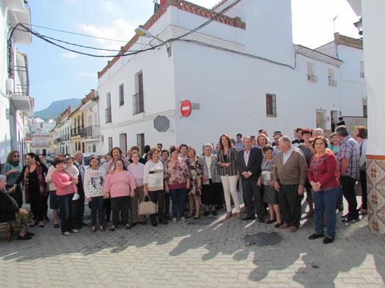 La alcaldesa preside la apertura oficial de la remodelada calle Molinos de Abajo