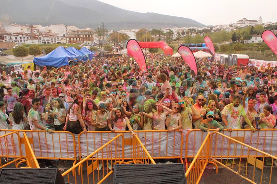 Explosión de color en Alhaurín el Grande con el festival Holi Colours