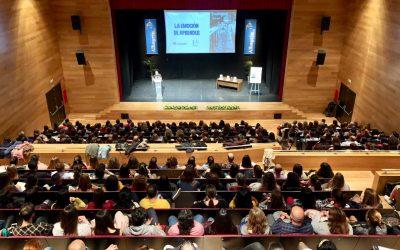 César Bona pone el broche de oro al ciclo de conferencias Educ@lhaurín