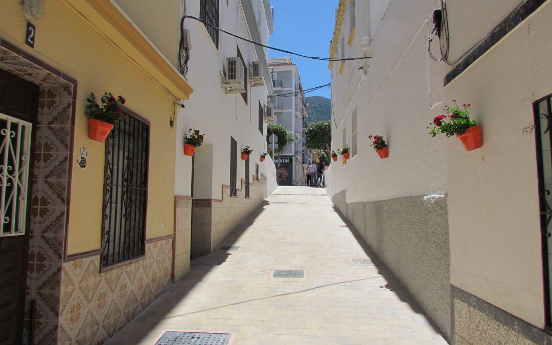 """La Calle Maestro Chapí se beneficia de una mejora integral y se incorpora al proyecto """"Presume de pueblo"""""""