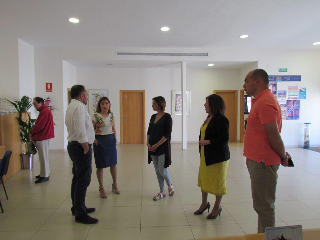 Visita del nuevo equipo de gobierno a los Servicios Sociales