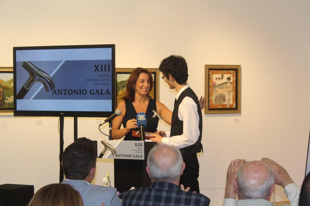 La alcaldesa entrega el premio Antonio Gala 2019