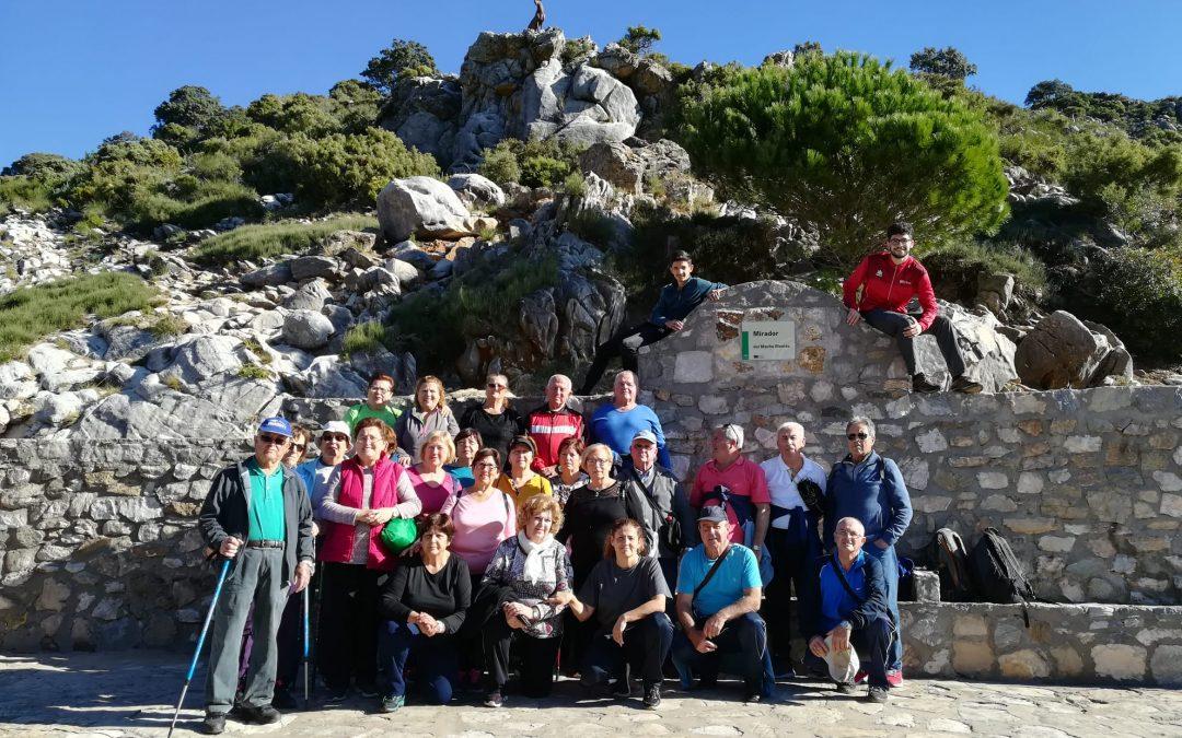 Alhaurín el Grande clausura el mes del mayor con una ruta de senderismo en el Juanar