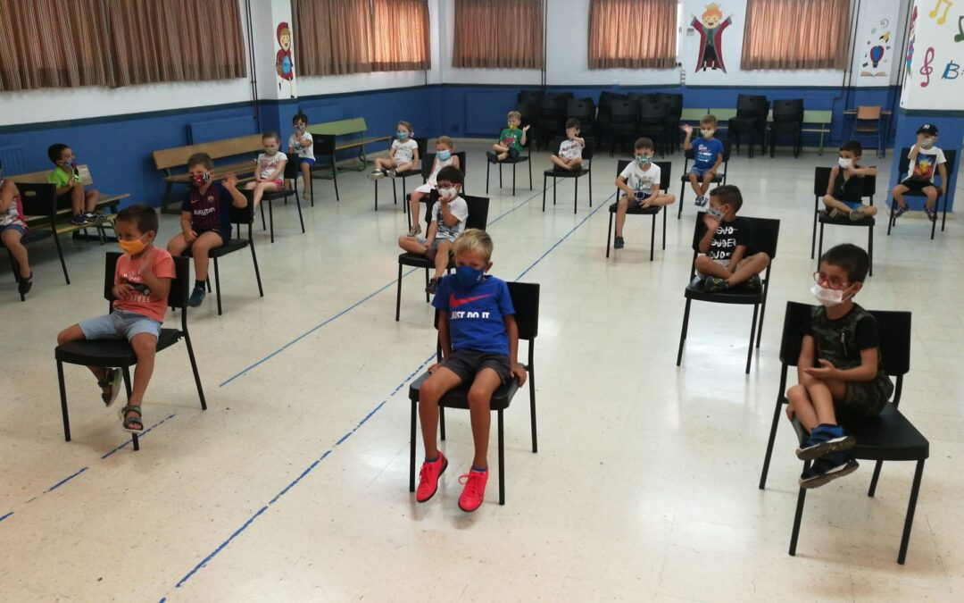 La alcaldesa reúne a la comunidad educativa para abordar la vuelta al cole
