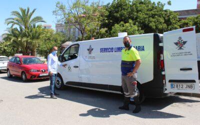 El servicio de limpieza adquiere un nuevo vehículo de baldeo con agua a alta presión en caliente para intensificar la desinfección de espacios públicos