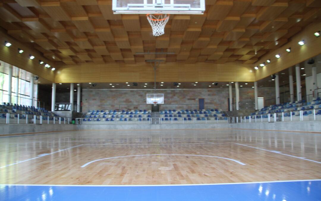 La alcaldesa Toñi Ledesma inaugura la temporada deportiva con la apertura de los dos pabellones del Polideportivo Municipal recién remodelados