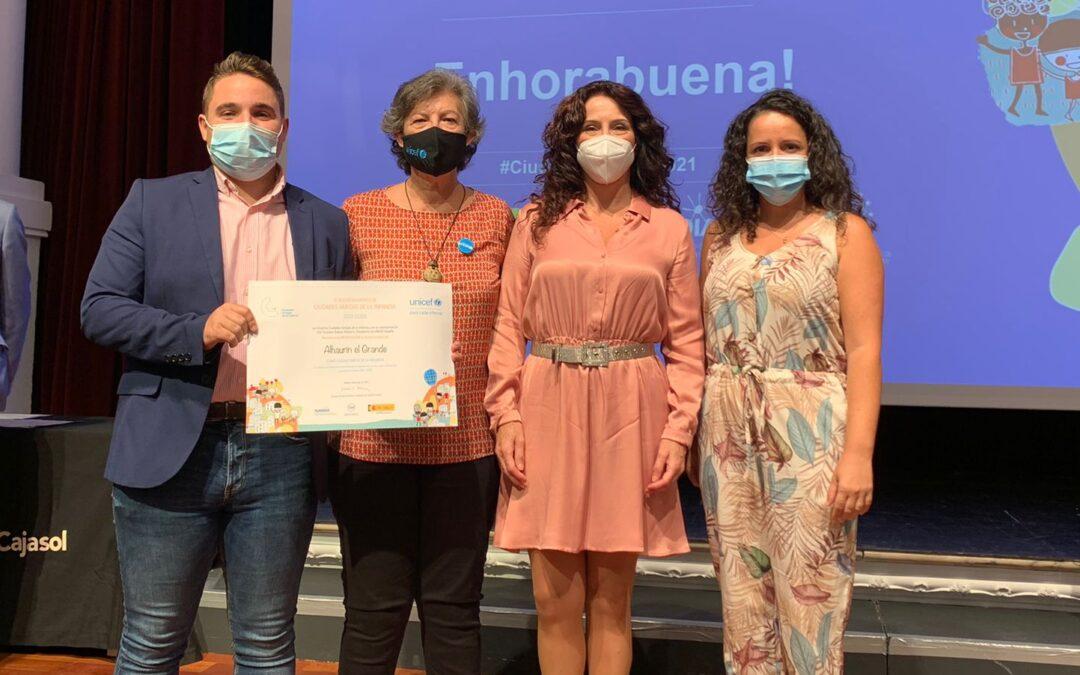 UNICEF entrega a Alhaurín el Grande el sello Ciudad Amiga de la Infancia para el periodo 2021-2025