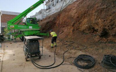 Se inician los trabajos en el muro de Calle Nerja dañado por la Dana 2019